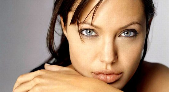 Анджелине Джоли